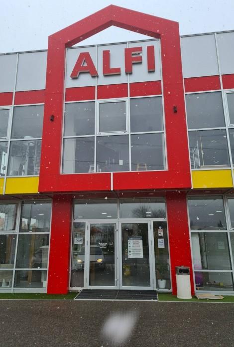 Sjedište firme je u Brčkom a izložbeni salon imamo Brčkom i Bijeljini.